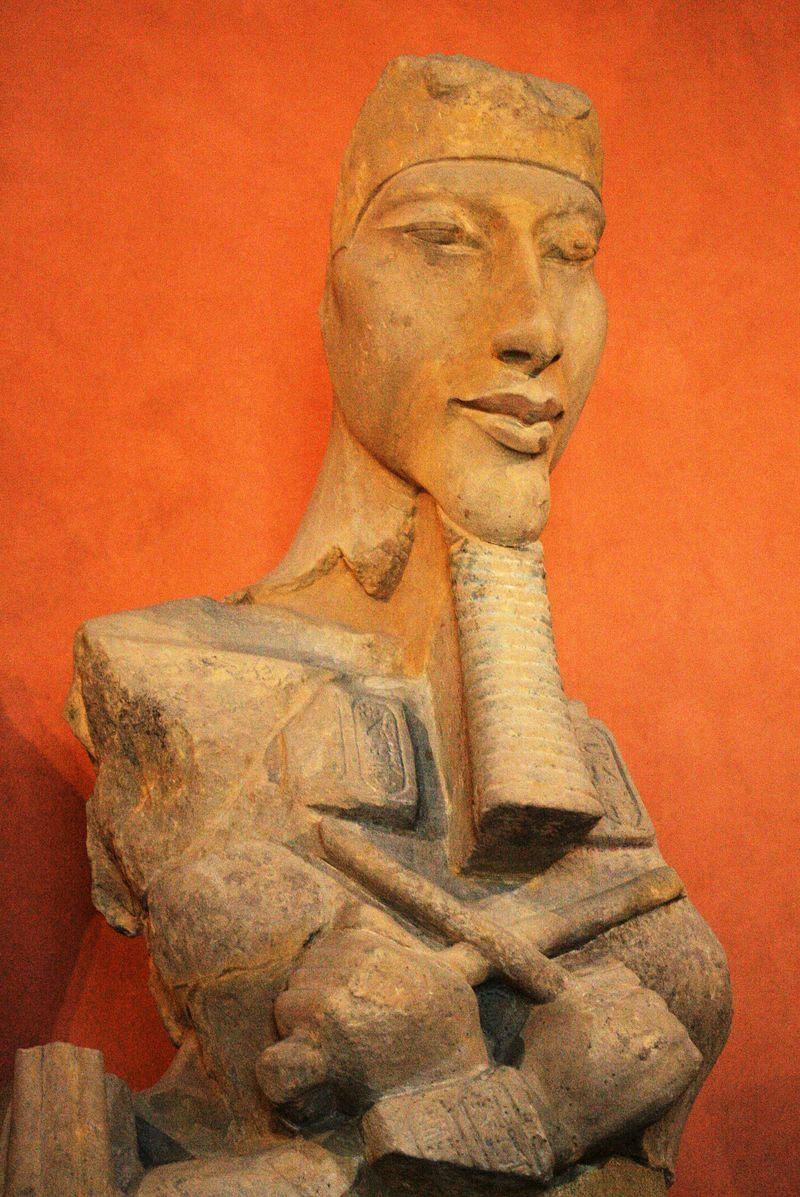 Akhenaton_E27112_mp3h8765