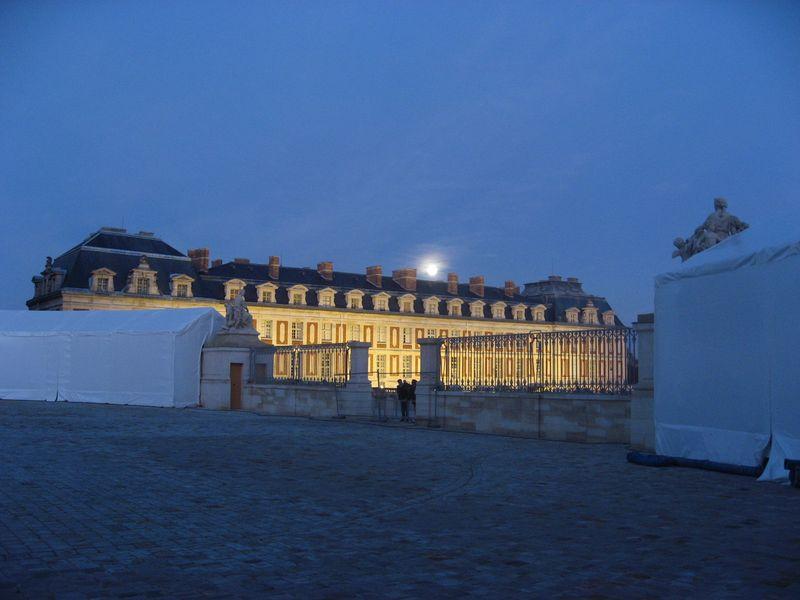 Versaillesatnight-1